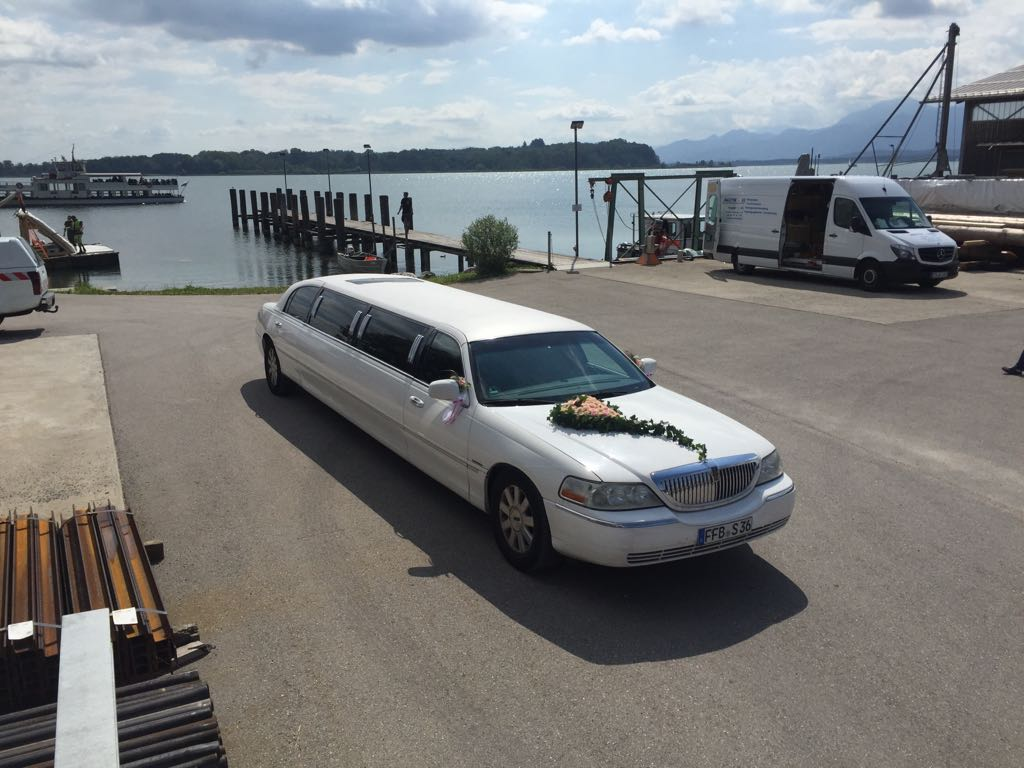 Lincoln Town Car Stretch-Limousine